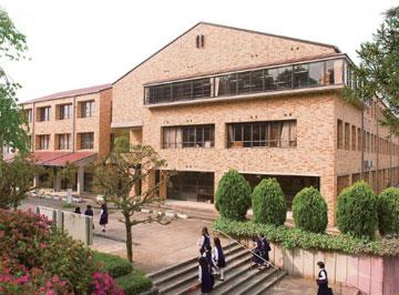 育英西高等学校